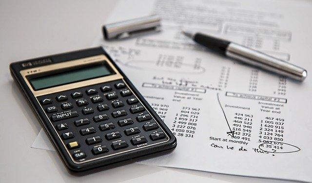 Před podepsáním smlouvy na revolvingový úvěr si vše důkladně propočítejte.