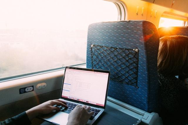 Online vzdělávání ve vlaku