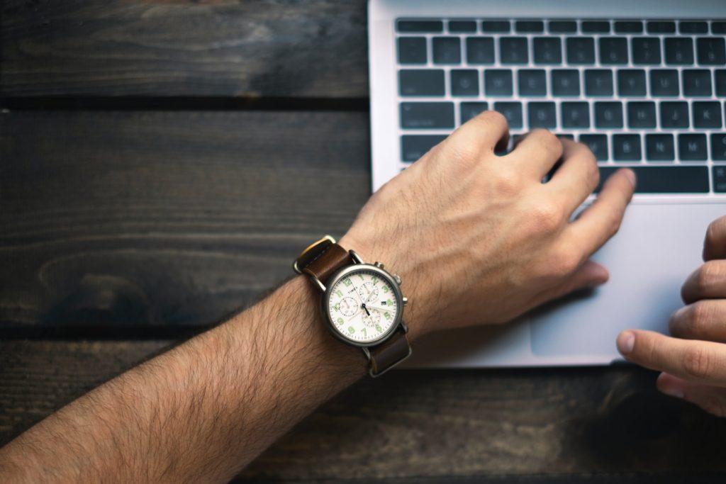 Sledování času při home office