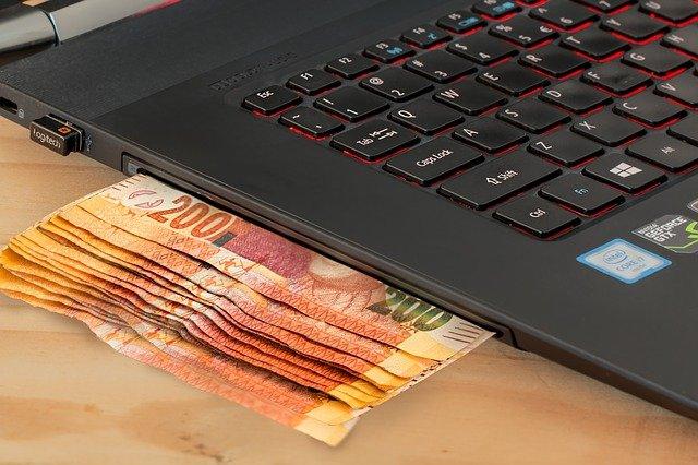 Poslali jste peníze na špatný účet? Víme, jak je dostat zpět