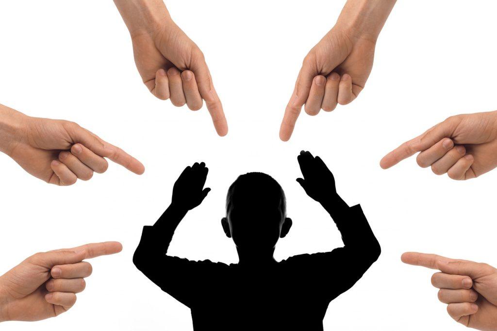 bossing, mobbing, jak se bránit šikaně na pracovišti