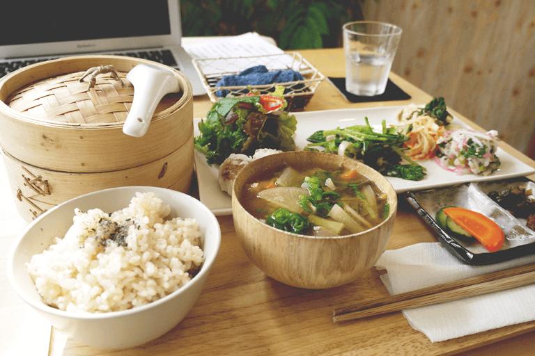 Zdravá japonská kuchyně je podle expertů zdrojem dlouhověkosti.