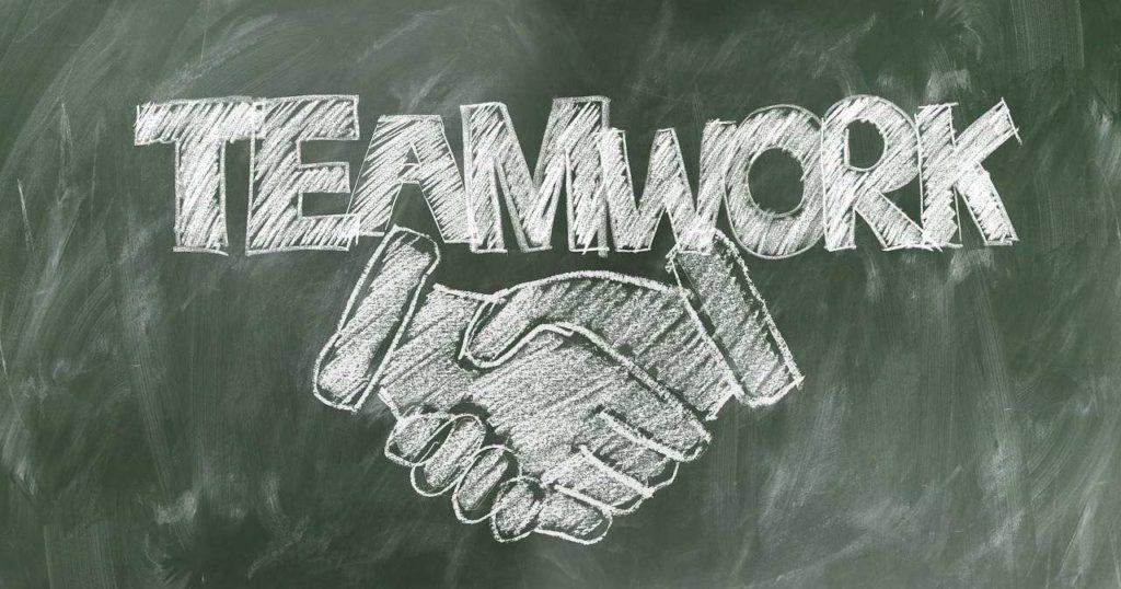 konkurenční prostředí v zaměstnání, týmová práce