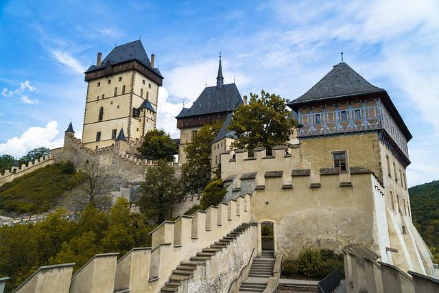 Jeden z nejznámějších českých hradů Karlštejn