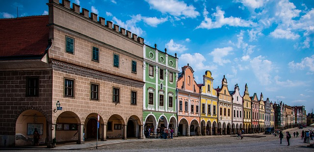 Typické barevné domečky v centru Telče
