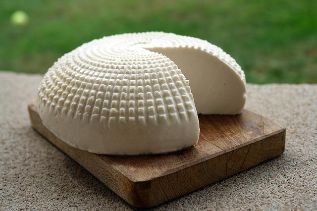 Kozí sýr se k řepě skvěle hodí