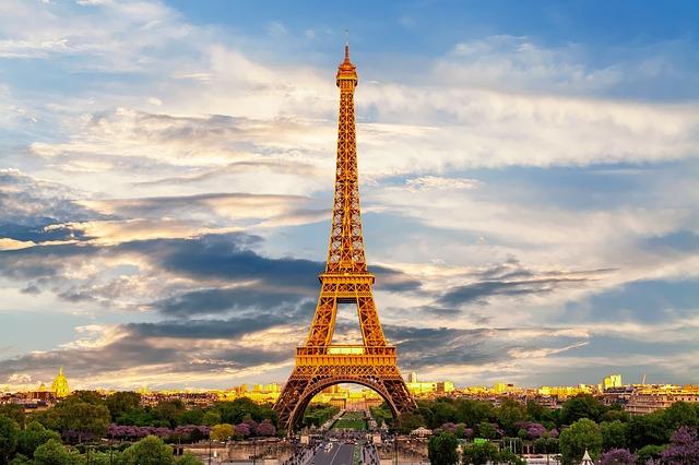 Eiffelovu věž určitě nevynechejte