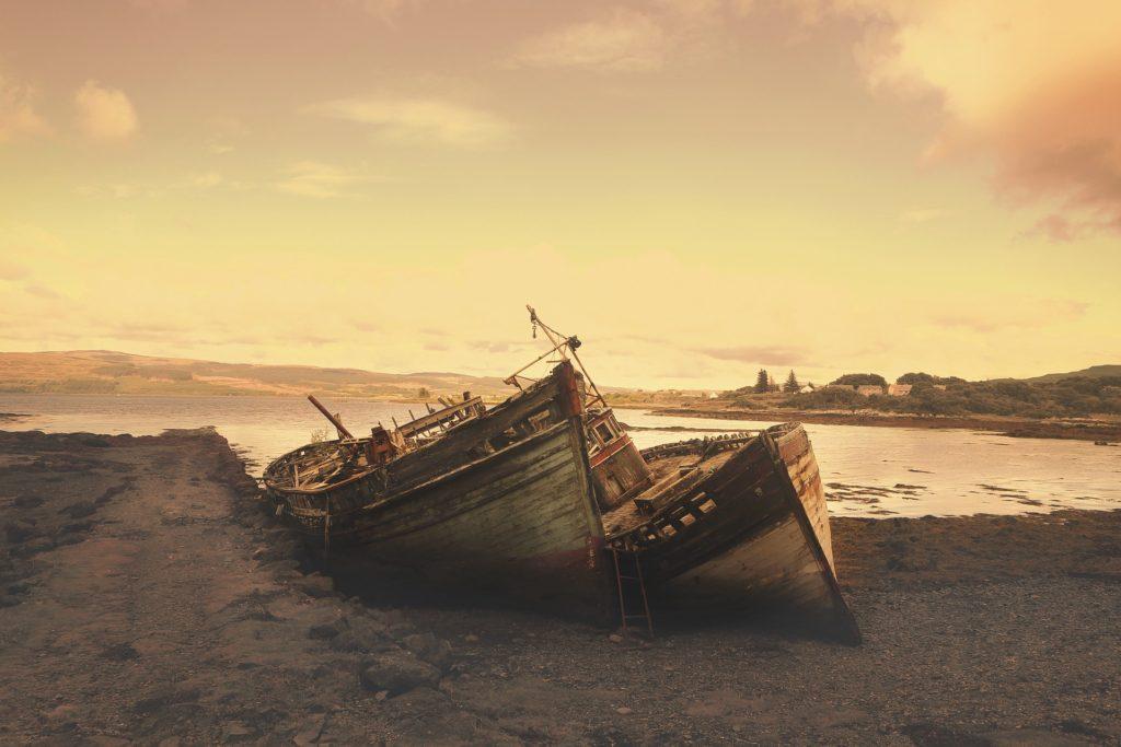 Opuštěni na pustém ostrově.